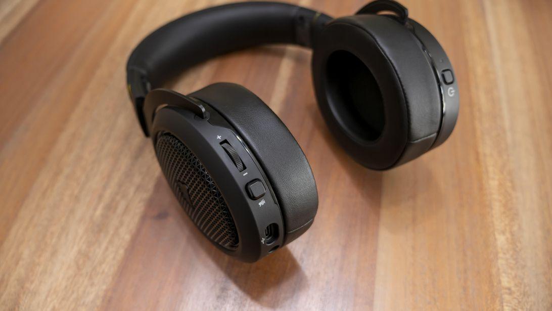 Corsair-HS70-Bluetooth-01